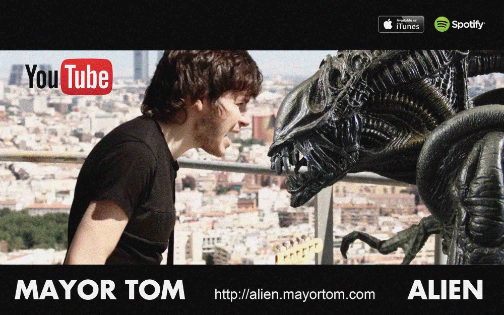 MAYOR TOM vs ALIEN